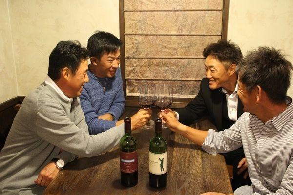 「藤田寛之ワイン」「チームセリザワワイン」好評発売中!